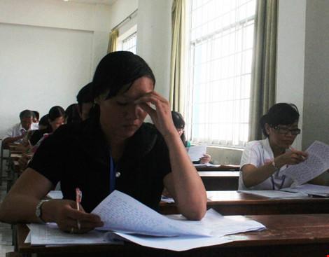 Hình ảnh giám khảo chấm những bài thi THPT đầu tiên - 5