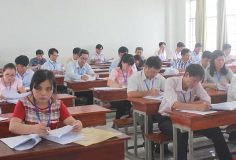 Hình ảnh giám khảo chấm những bài thi THPT đầu tiên - 7