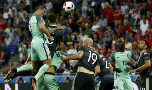 Ronaldo - kẻ cưỡi Rồng - 1