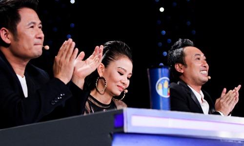 """""""Chàng trai bán bún bò"""" gây ấn tượng trên sân khấu Vietnam Idol - 2"""