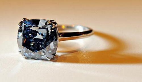 Choáng váng những chiếc nhẫn có giá hàng chục tỷ đồng - 10