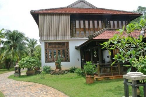 Dinh thự gỗ quý như cung điện của MC Thu Hương - 1