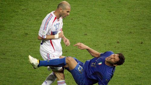 Sau 10 năm, Materazzi tiết lộ lời xúc phạm Zidane - 1