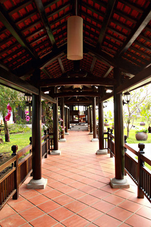 Dinh thự gỗ quý như cung điện của MC Thu Hương - 2