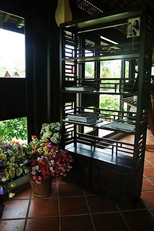 Dinh thự gỗ quý như cung điện của MC Thu Hương - 3