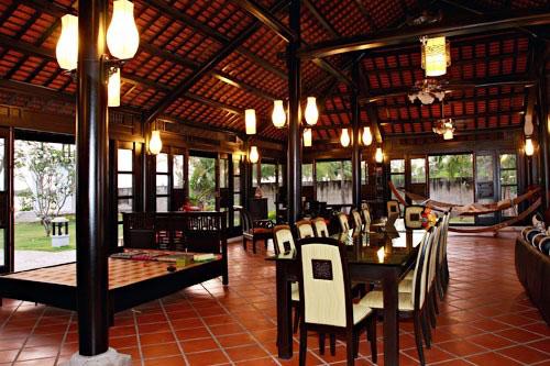 Dinh thự gỗ quý như cung điện của MC Thu Hương - 4