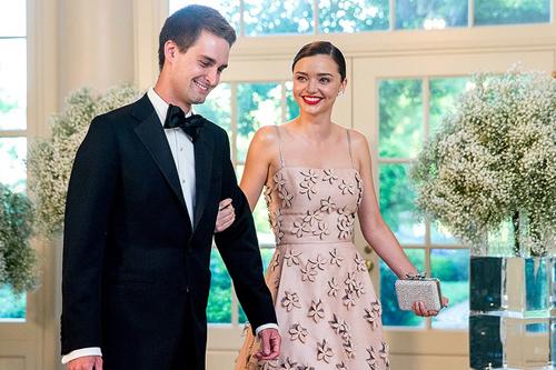 Rộ tin siêu mẫu Miranda sắp cưới bạn trai tỷ phú - 3