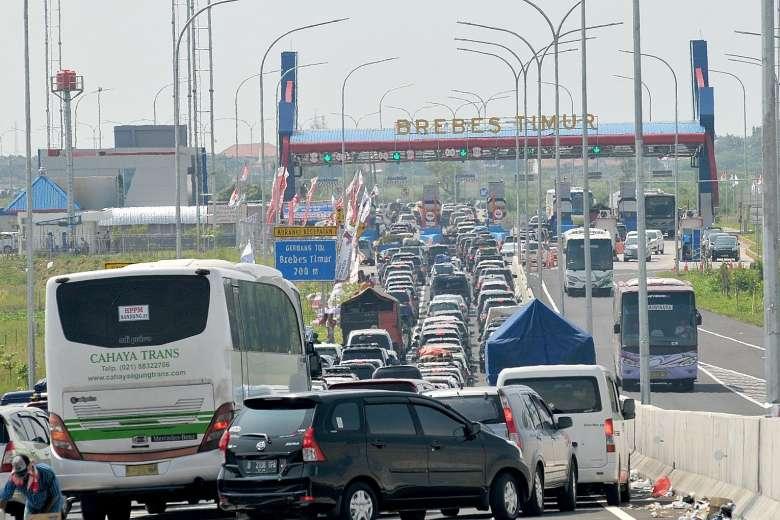 Indonesia: 3 ngày tắc đường liên tiếp, 12 người chết - 1