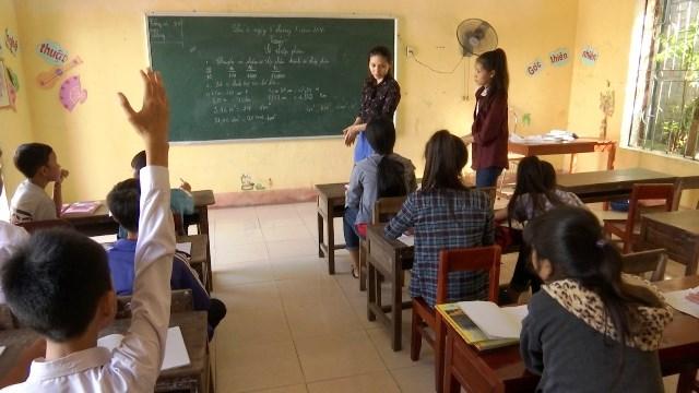 Hà Tĩnh: 119 học sinh đã trở lại trường học sau 2 năm bị cha mẹ bắt nghỉ - 1