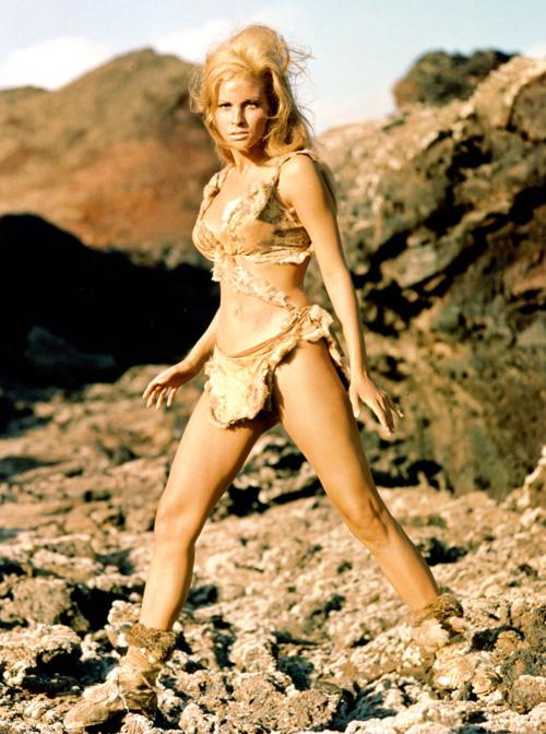 Bất ngờ với cảnh phim bikini đẹp nhất mọi thời đại - 1