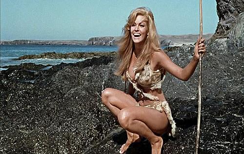 Bất ngờ với cảnh phim bikini đẹp nhất mọi thời đại - 2