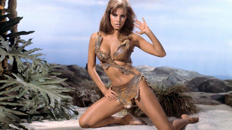Bất ngờ với cảnh phim bikini đẹp nhất mọi thời đại - 12