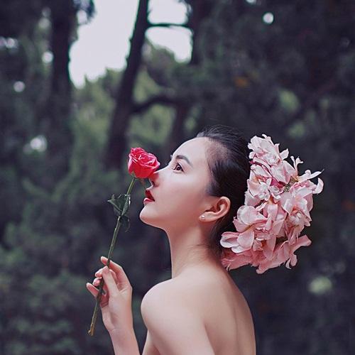 Vẻ đẹp lay động lòng người của nữ thạc sĩ Trung Quốc - 4