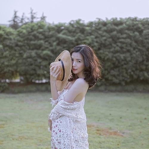 Vẻ đẹp lay động lòng người của nữ thạc sĩ Trung Quốc - 7