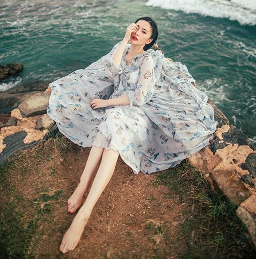 Vẻ đẹp lay động lòng người của nữ thạc sĩ Trung Quốc - 9