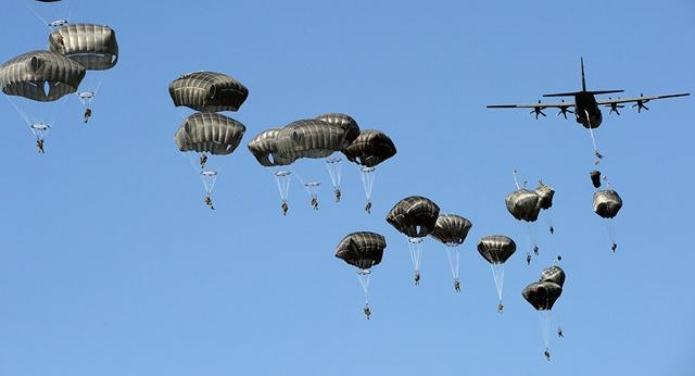 NATO đồng ý dồn quân lớn nhất lịch sử chống Nga - 1