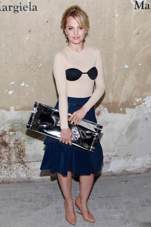 Nữ diễn viên gây choáng với váy gây hiểu nhầm - 7