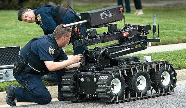 Robot tiêu diệt kẻ bắn tỉa chết 5 cảnh sát Mỹ thế nào? - 1