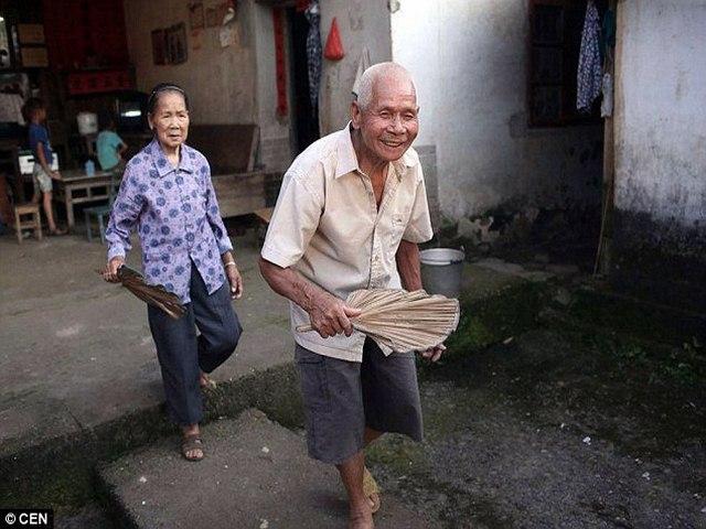 Cặp vợ chồng TQ hơn trăm tuổi yêu nhau 96 năm không chán - 3
