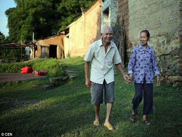 Cặp vợ chồng TQ hơn trăm tuổi yêu nhau 96 năm không chán - 4