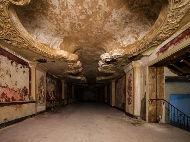Ám ảnh nhà tang lễ bị bỏ hoang ở Mỹ - 2