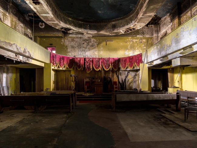Ám ảnh nhà tang lễ bị bỏ hoang ở Mỹ - 3
