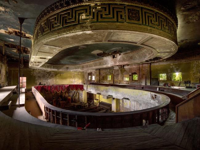 Ám ảnh nhà tang lễ bị bỏ hoang ở Mỹ - 8