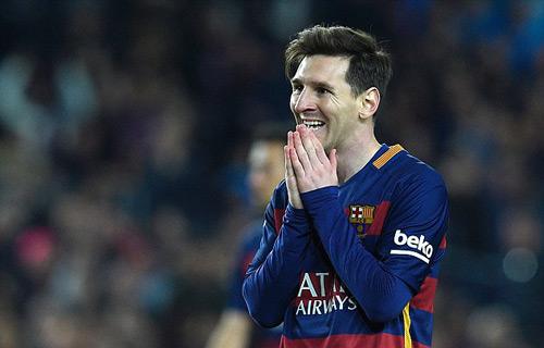 Barca kêu gọi ủng hộ Messi, bị fan dè bỉu - 1