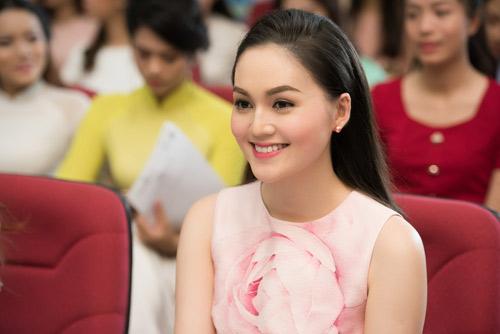 Dàn thiếu nữ xinh đẹp quy tụ ở sơ khảo Hoa hậu VN - 1