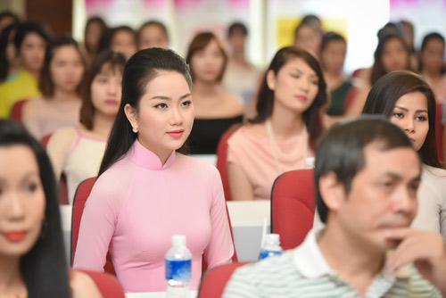 Dàn thiếu nữ xinh đẹp quy tụ ở sơ khảo Hoa hậu VN - 4