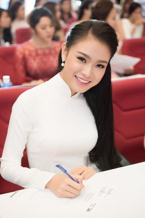 Dàn thiếu nữ xinh đẹp quy tụ ở sơ khảo Hoa hậu VN - 7