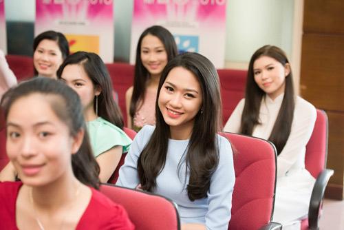 Dàn thiếu nữ xinh đẹp quy tụ ở sơ khảo Hoa hậu VN - 8