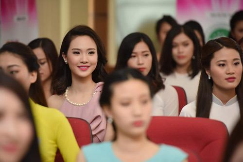 Dàn thiếu nữ xinh đẹp quy tụ ở sơ khảo Hoa hậu VN - 12