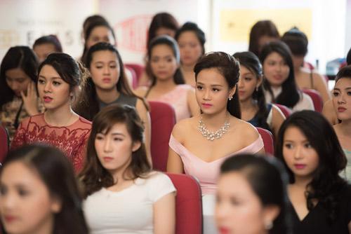 Dàn thiếu nữ xinh đẹp quy tụ ở sơ khảo Hoa hậu VN - 14