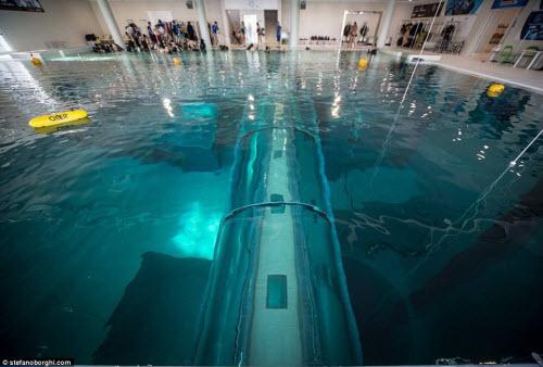 Khám phá bể bơi sâu nhất thế giới, bằng tòa nhà 14 tầng - 4