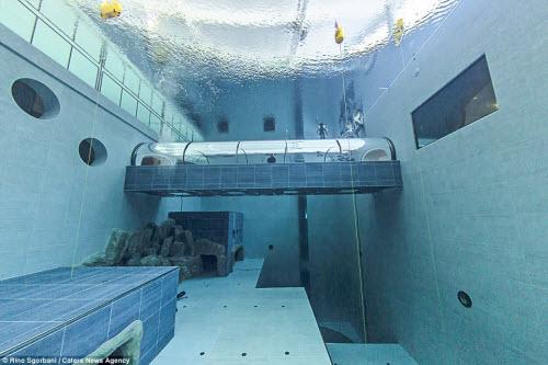 Khám phá bể bơi sâu nhất thế giới, bằng tòa nhà 14 tầng - 7