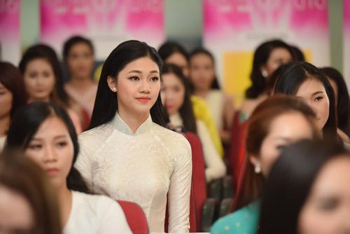 Em gái cao 1m80 của á hậu Trà My đi thi hoa hậu VN - 2