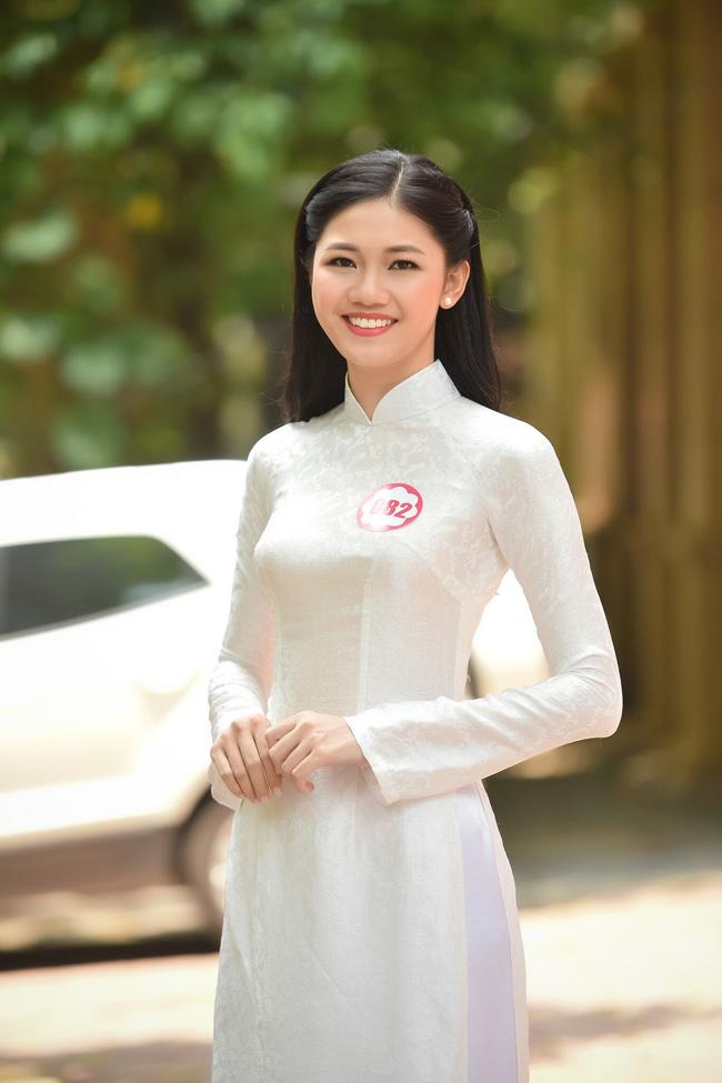 Em gái cao 1m80 của á hậu Trà My đi thi hoa hậu VN - 1