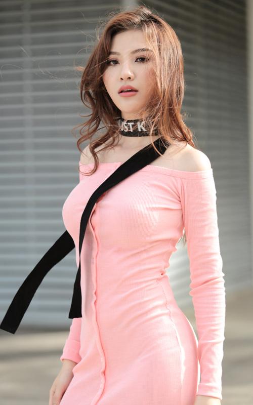 Bộ đôi hot girl Hà Nội cực chất trên phố Sài Gòn - 8