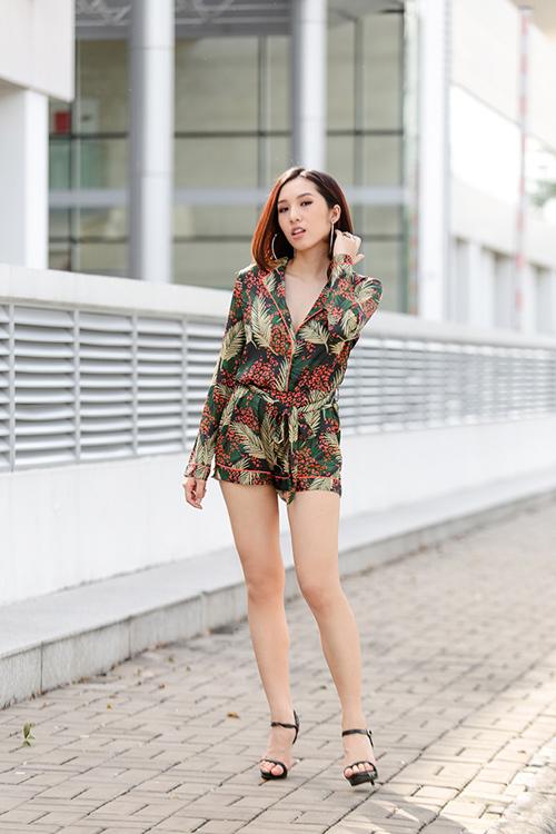 Bộ đôi hot girl Hà Nội cực chất trên phố Sài Gòn - 13