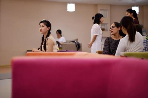 Nữ sinh 19 tuổi ước mơ phẫu thuật thành Lưu Diệc Phi - 3