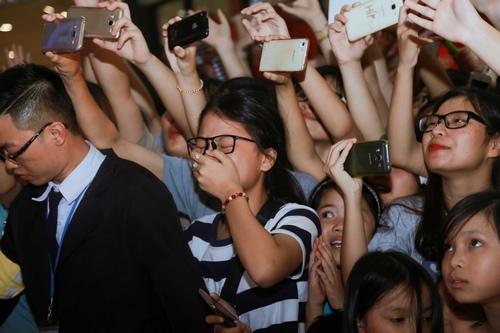 Fan khóc hết nước mắt trong show diễn cuối của 365 - 4