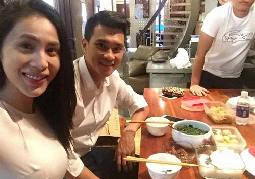 Cuộc sống của Thủy Tiên – Công Vinh sau 2 năm kết hôn - 3