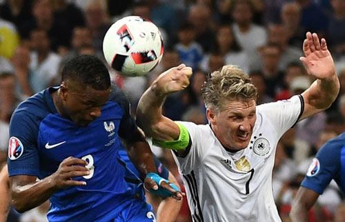 """Gặp Pháp, Ronaldo và BĐN bị ám ảnh bởi """"tiếng còi ma"""" - 1"""