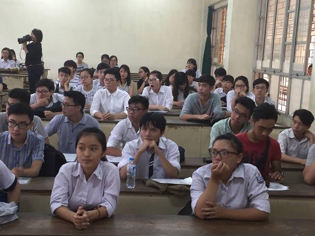 Hà Nội cấm các trường luyện thi để xếp lớp chọn - 1