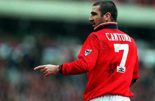 "Vừa đến MU, Ibra đã bị Cantona ""dằn mặt"" - 1"