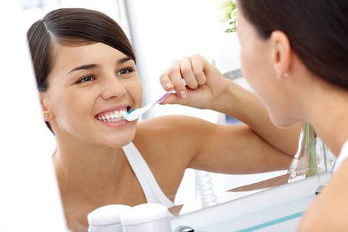 5 giải pháp tự nhiên giúp hàm răng sạch sẽ thơm tho - 3