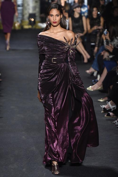 Elie Saab trình làng các mẫu váy lộng lẫy cho mẹ và bé - 6
