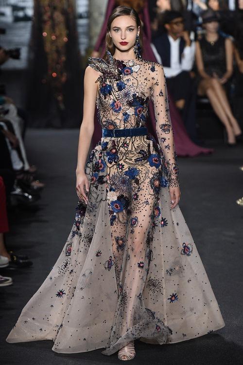 Elie Saab trình làng các mẫu váy lộng lẫy cho mẹ và bé - 9