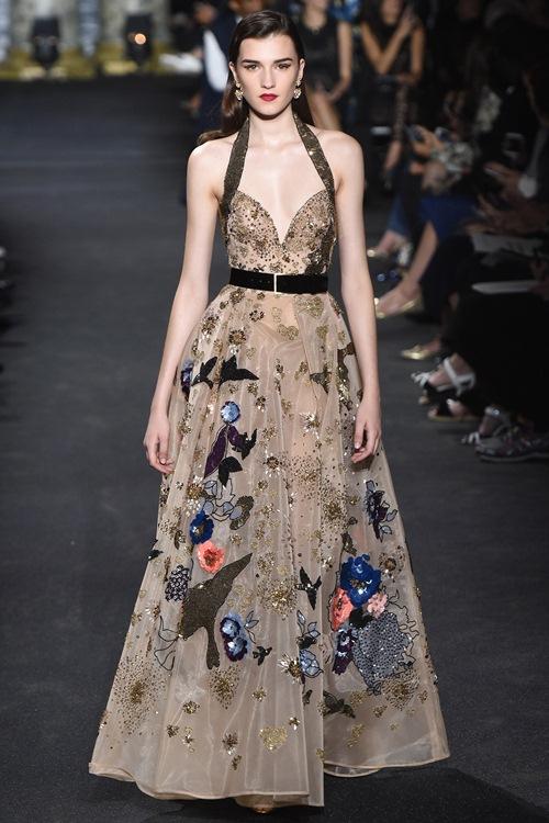 Elie Saab trình làng các mẫu váy lộng lẫy cho mẹ và bé - 11